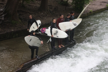 Surfing-Eisbach-River-Munich-Germany-1