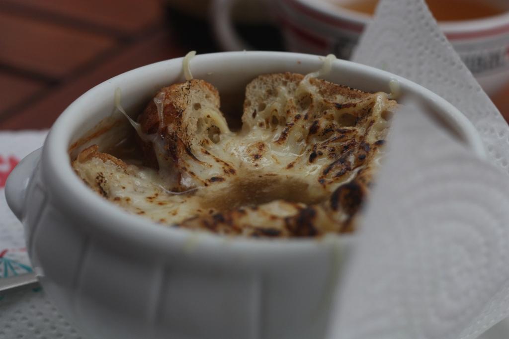 onion-soup-Montmartre-Paris-France