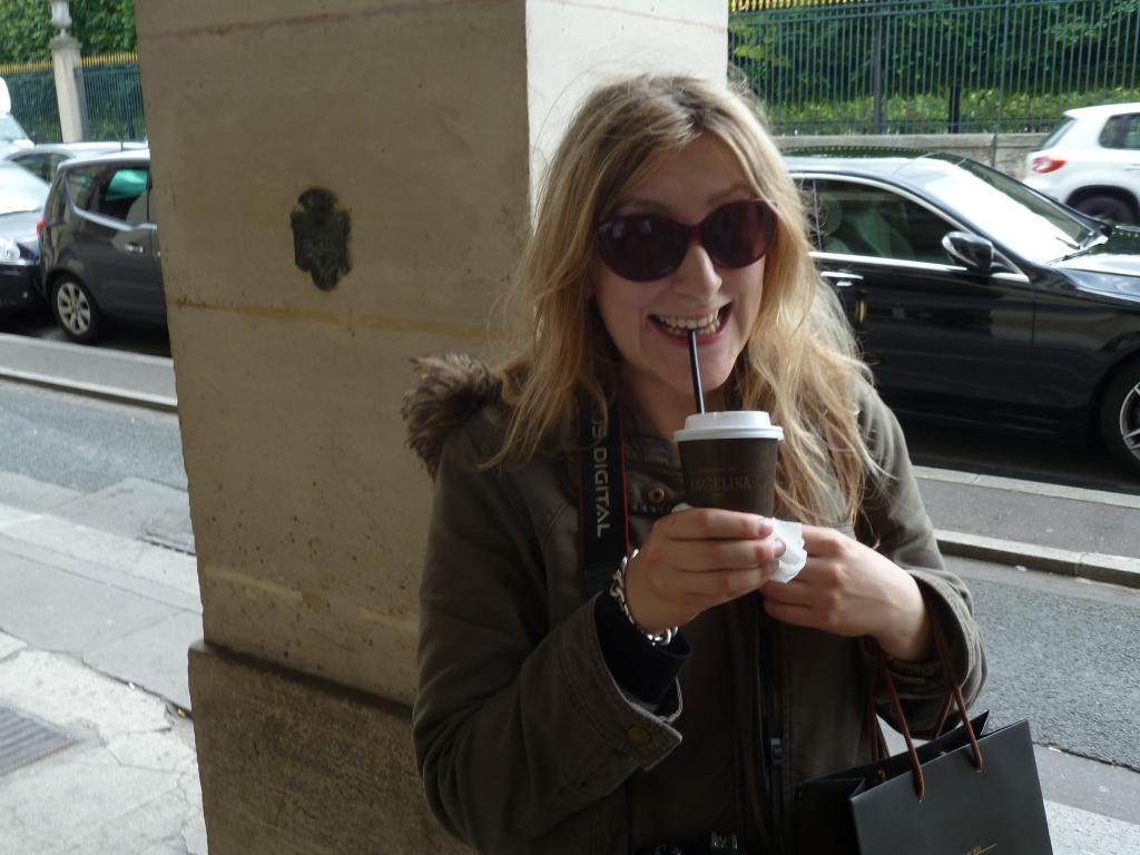 Robyn-Angelinas-Paris-France